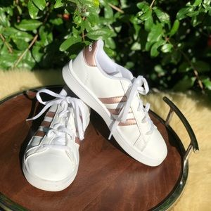 Adidas🍁🍂White and rose gold size 13.5